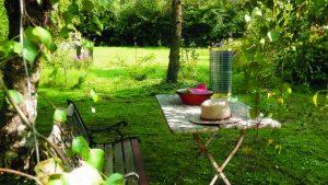 .STOOL Solar light at garden corner
